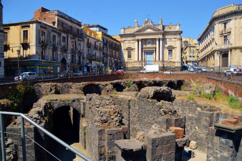 Things to see in Catania - Anfiteatro Romano Catania