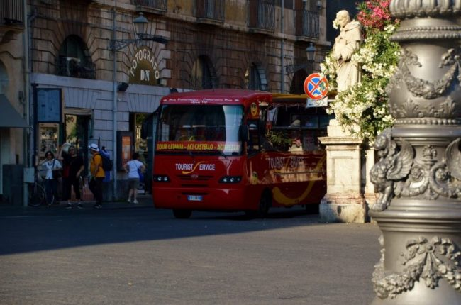 How to get around Catania - take the hop on hop off bus