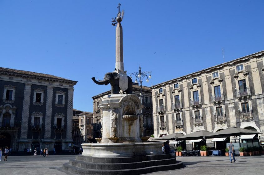 Things to do and see in Catania, Sicily - the Elephant Fountain