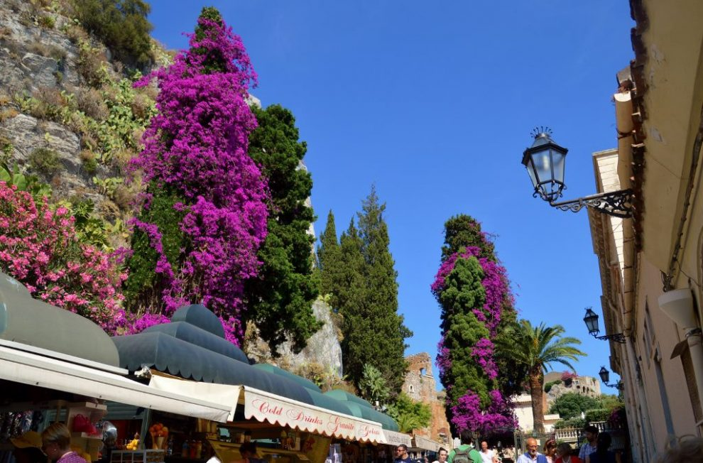 Things to do in Taormina. Simply admire Taormina's beauty