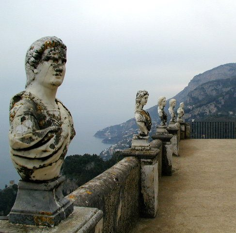 What to see on Amalfi Coast - the busts of Villa Cimbrone