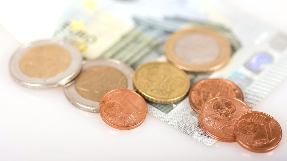 Good travel safety tip is to keep some small change in your pocket