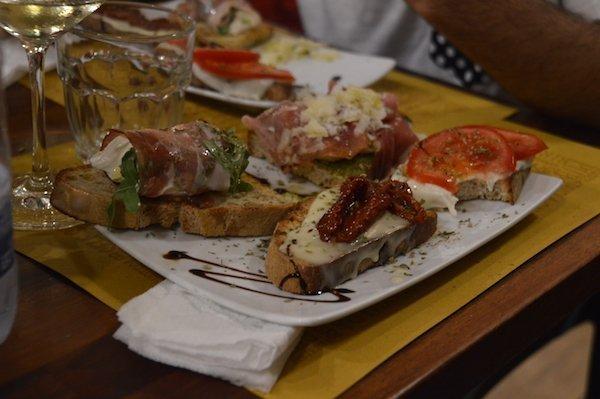 Arco Rosso Bruschetta Restaurant