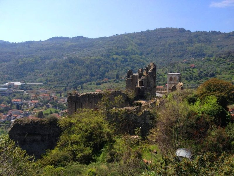 Views of the ruins on the pathway past the Castello