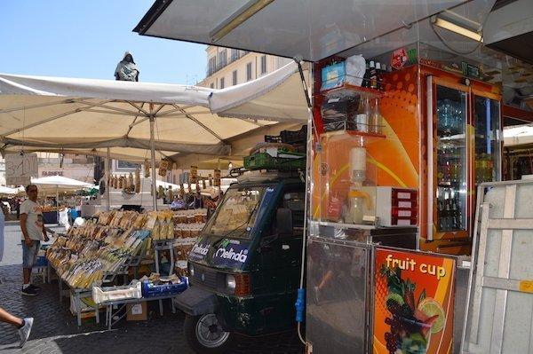Campo De' Fiori Market vendors Rome