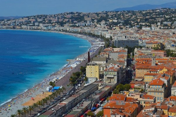 Views of the Promenade des Anglais.