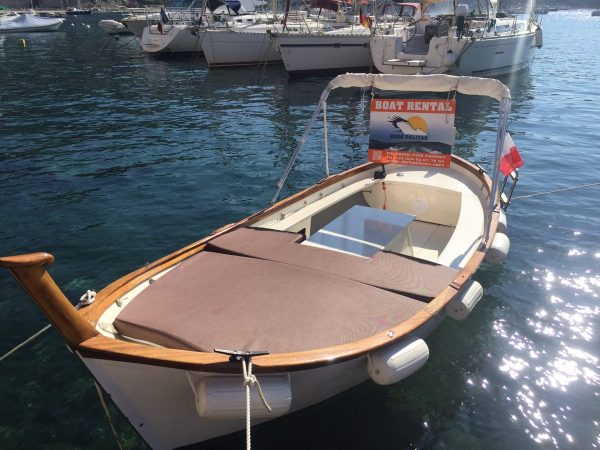 Boat you can rent in Villefranche - ©DarkPelican