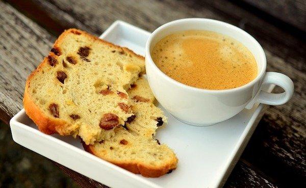 coffee and raisin bread