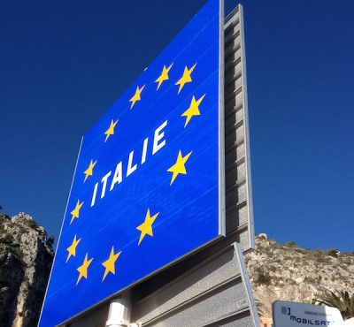 The Italian border sign in France