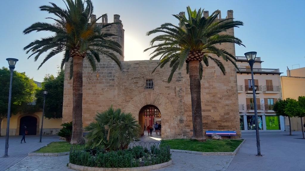 Xara Gate Alcudia