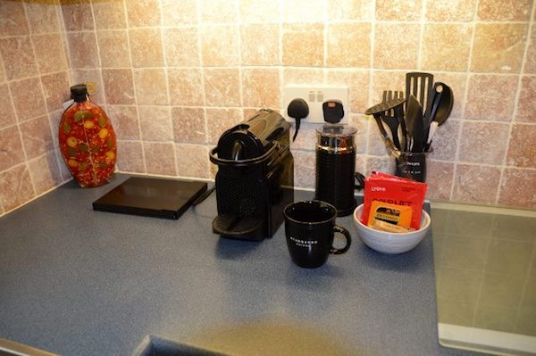 Coffee and tea making facilities in homestay