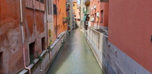 Bologna's Canal