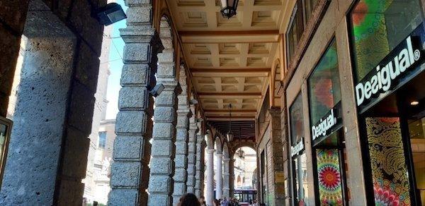 The portico on Via Rizzoli