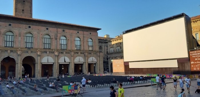 Sotto le Stelle screen in Bologna