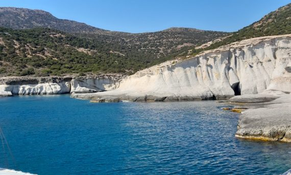 2-days-on-milos-greece