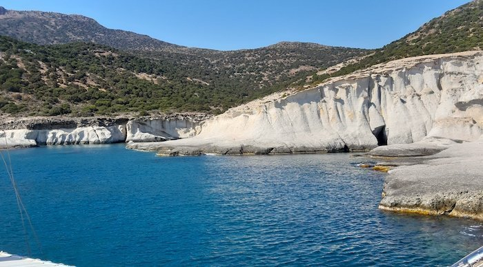 2-days-on-milos-greece